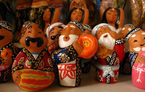 Uzbek clay statues
